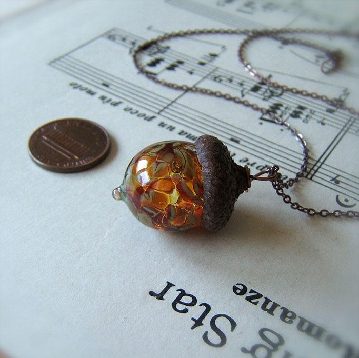 glass-acorn-jewelry-necklaces-earrings-bullseyebeads-8