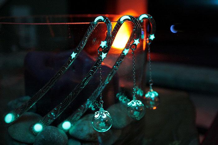 glow-in-the-dark-bookmarks-manon-richard-15