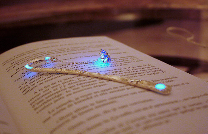 glow-in-the-dark-bookmarks-manon-richard-28