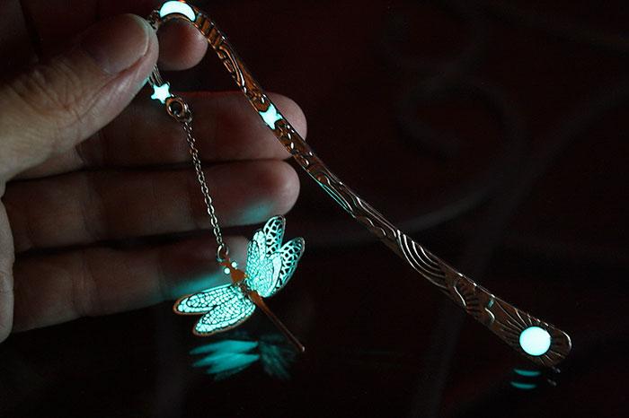 glow-in-the-dark-bookmarks-manon-richard-34