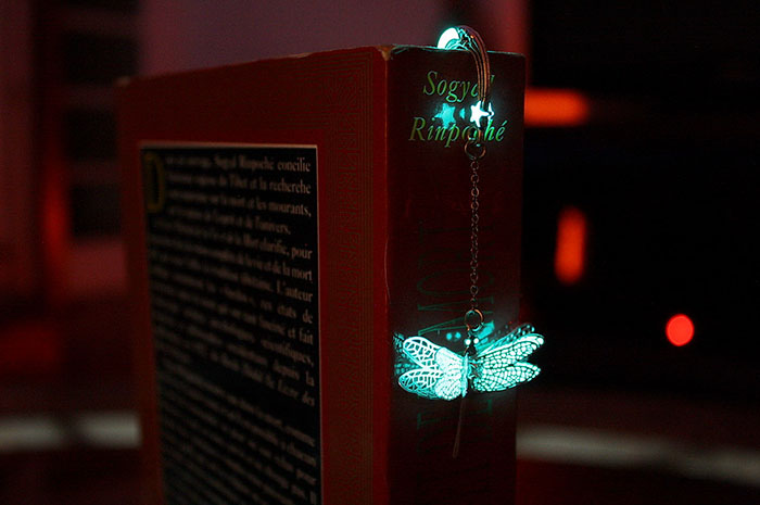 glow-in-the-dark-bookmarks-manon-richard-35