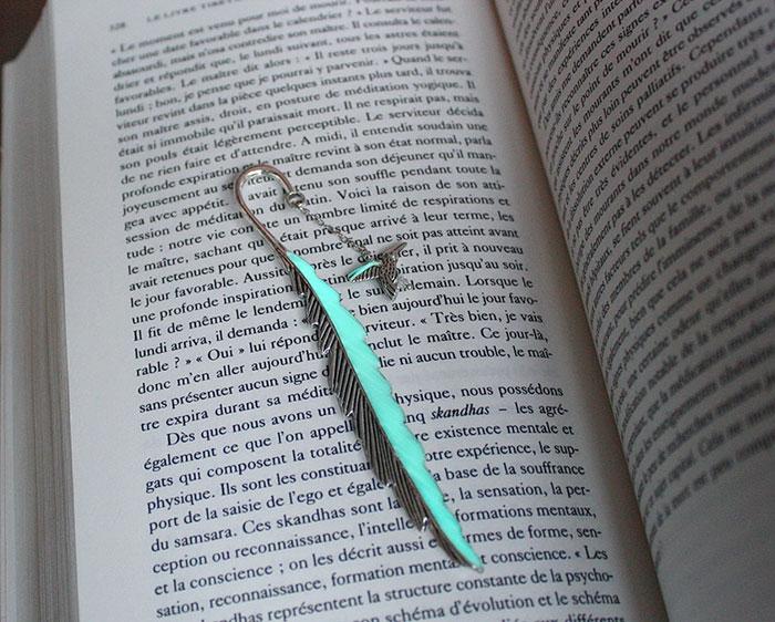 glow-in-the-dark-bookmarks-manon-richard-37