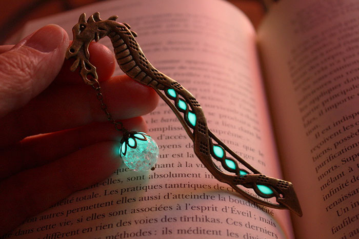 glow-in-the-dark-bookmarks-manon-richard-8