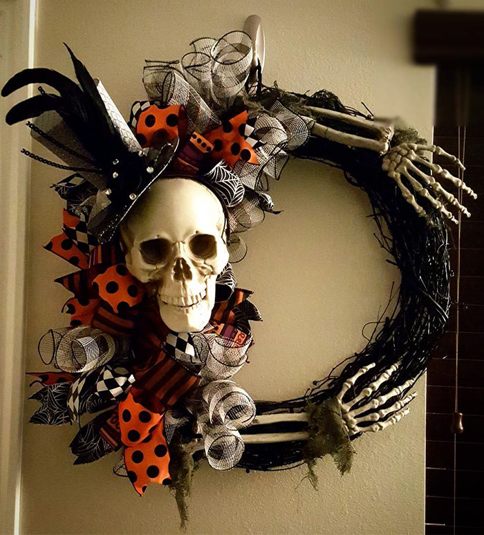 Halloween Wreaths Are A Thing Now, And They're Creepily
