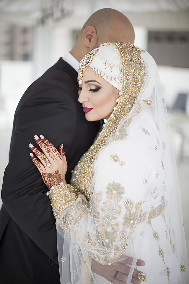 10 Brides Wearing Hijabs On Their Big Day Look Absolutely