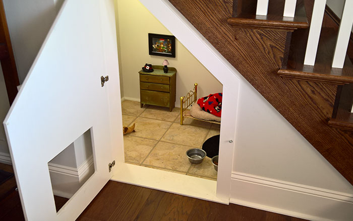 This Woman Built Her Dog A Bedroom Under The Stairs And The Details Are Impressive