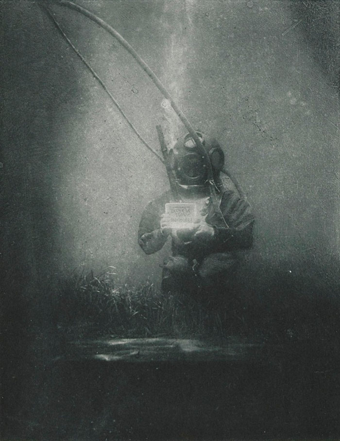 world-first-underwater-portrait-1899-louis-marie-auguste-boutan-2