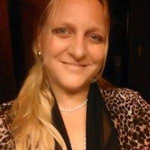 Nicole Holt