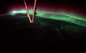 Astronaut's Tweets From Space Show That It's The Best Job In The World (10+ Pics)
