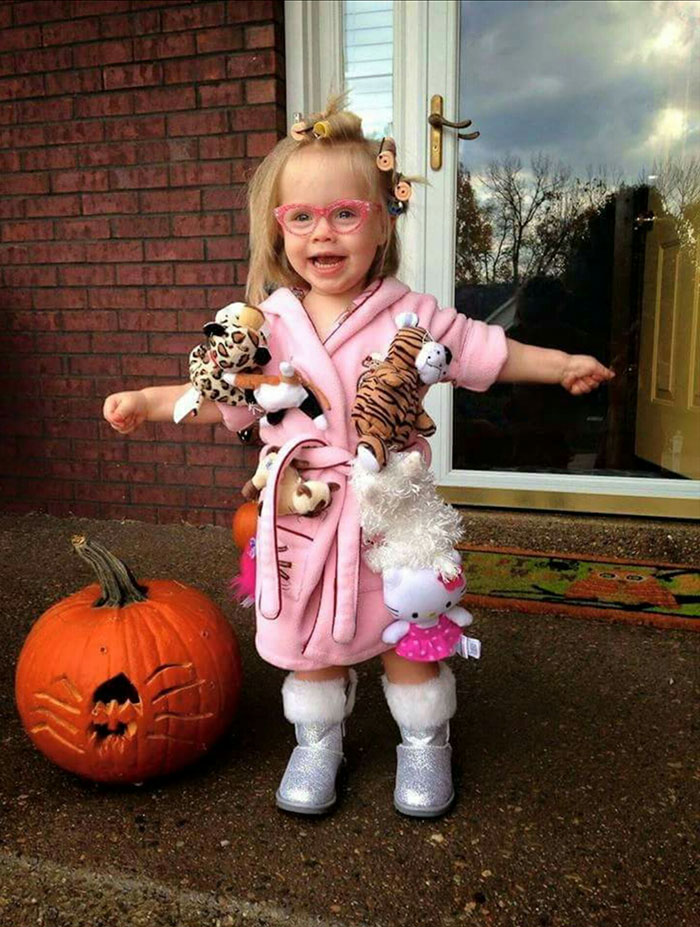 15 of the most creative halloween costume ideas ever for Creative toddler halloween costumes