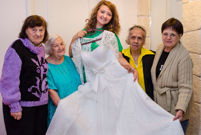 Bride Invites Lonely Grannies To Be Her Bridesmaids