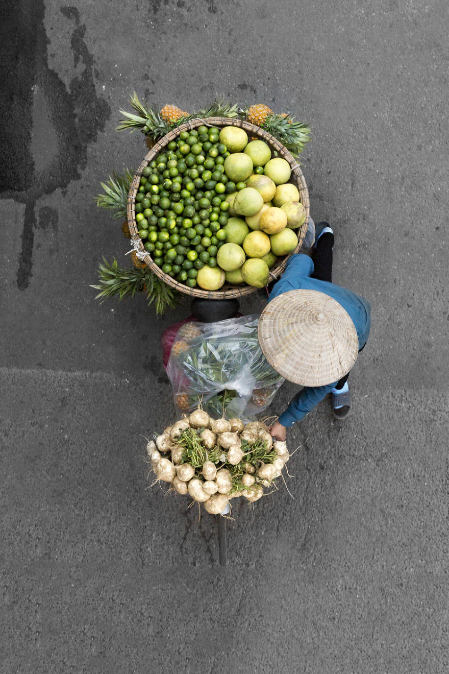 I spend days on bridges to take images of roaming vendors