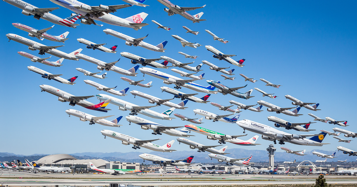 18 Unbelievable Photos Of Air Traffic Around The World That Took Photographer 2 Years To Shoot