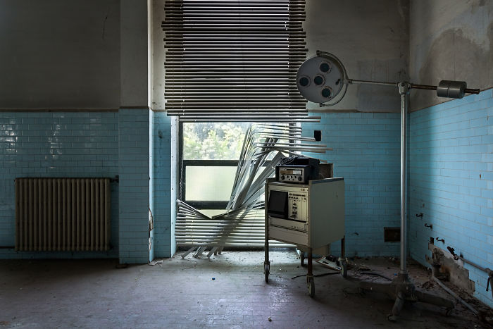 I Photographed An Abandoned Animal Testing Facility