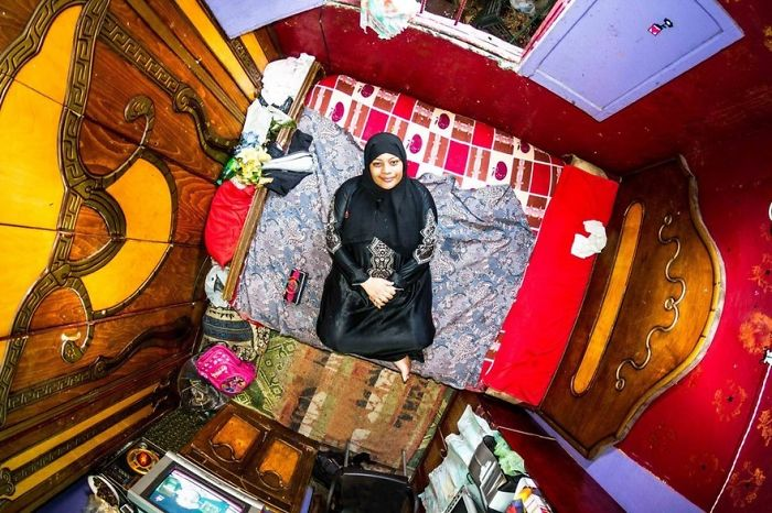 Cairo, Egypt, Azza, 19-Year-Old Homemaker