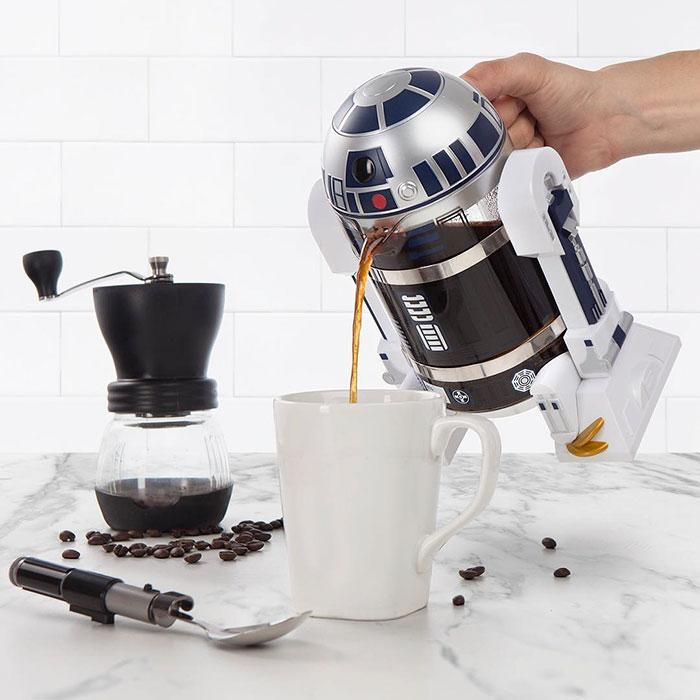 coffee-robot-star-wars-r2-d2-coffee-press-thinkgeek-2