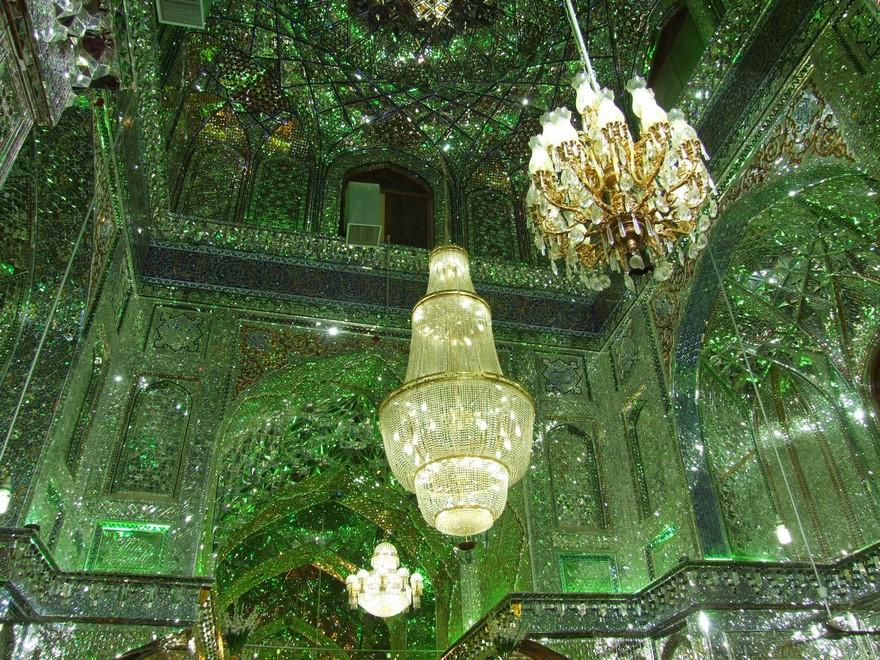 emerald-tomb-ceiling-shah-cheragh-shiraz-iran-11