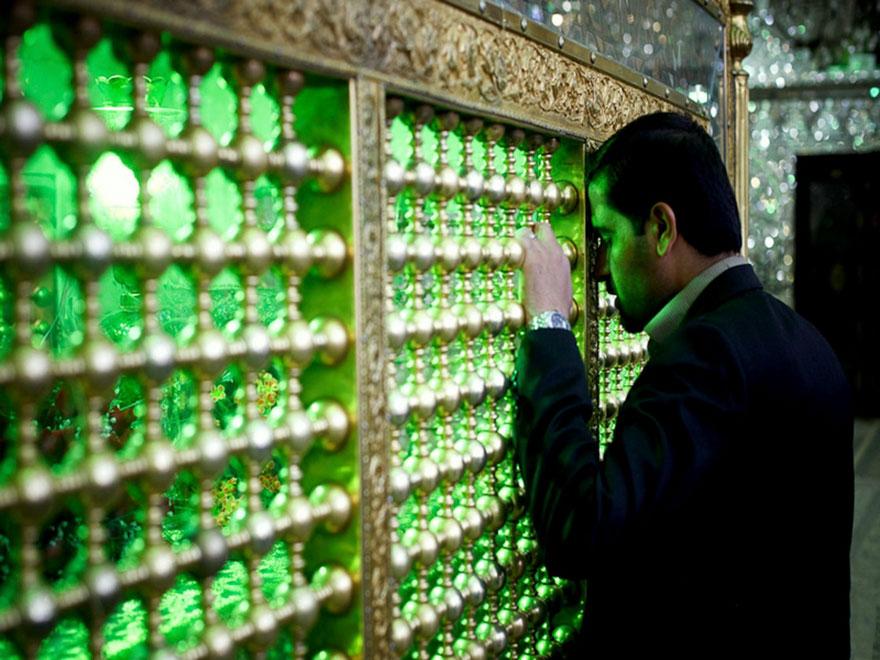 emerald-tomb-ceiling-shah-cheragh-shiraz-iran-17