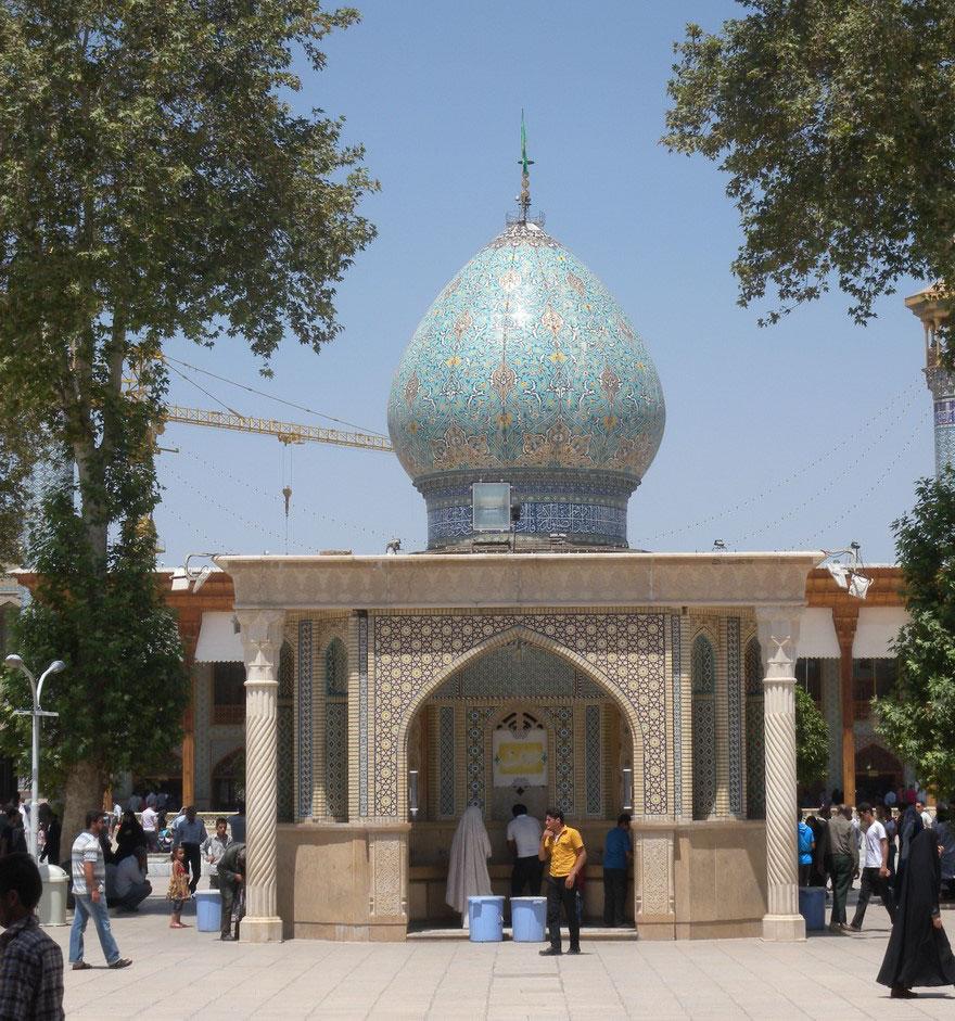 emerald-tomb-ceiling-shah-cheragh-shiraz-iran-19