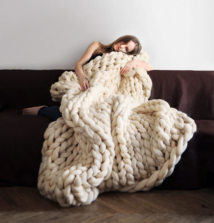 extreme-knitting-blanket-tutorial-1