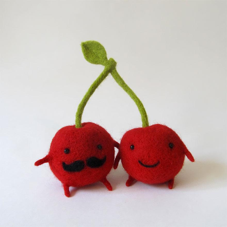 felt-wool-sculpture-egg-love-hanna-dovgan-1