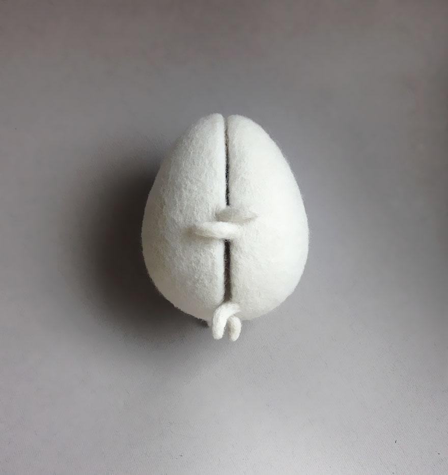 felt-wool-sculpture-egg-love-hanna-dovgan-5
