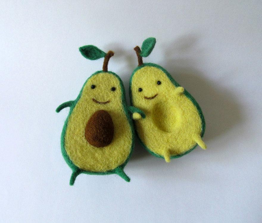 felt-wool-sculpture-egg-love-hanna-dovgan-7