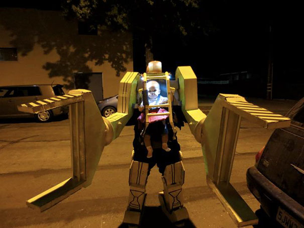 10 power loader baby and dad costume - Halloween Costumes For Parents And Baby