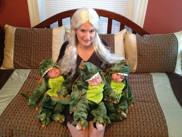 Best Costume If You Have Triplets - Daenerys Targaryan, Mother Of Dragons With Her Three Dragons