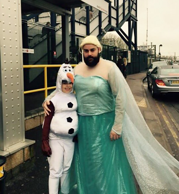 #11 Elsa And Olaf From Frozen Costume  sc 1 st  Bored Panda & 15+ Of The Best Parent u0026 Child Halloween Costume Ideas Ever | Bored ...
