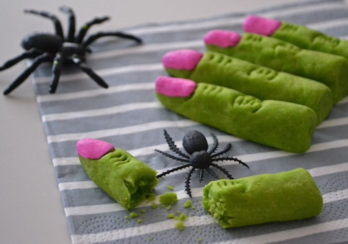 I Make These Fun Snacks For A Spooky Halloween Party