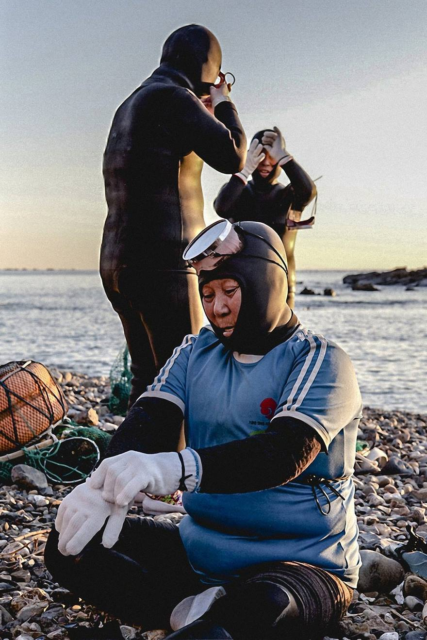 last-generation-women-mermaids-sea-diving-mijoo-kim-korea-08