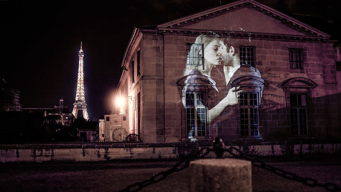 I Projected A Hundred Of Couples Kissing Onto The Walls Of Paris