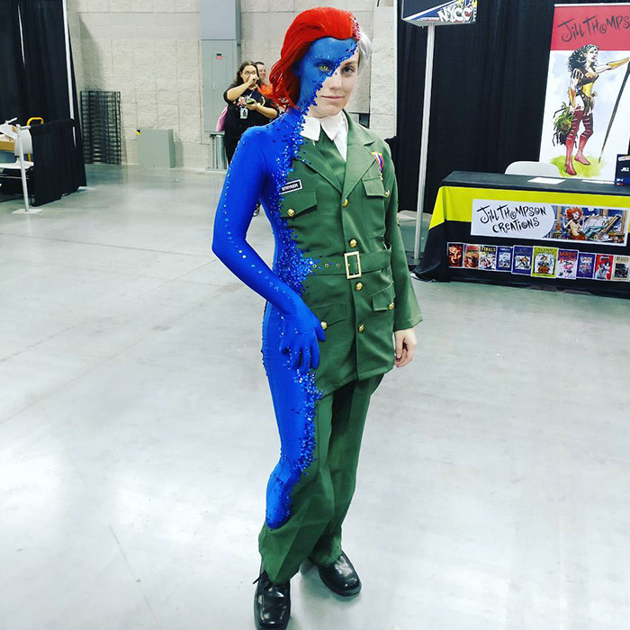 mystique-cosplay-rebecca-lindsay-comic-con-new-york-1