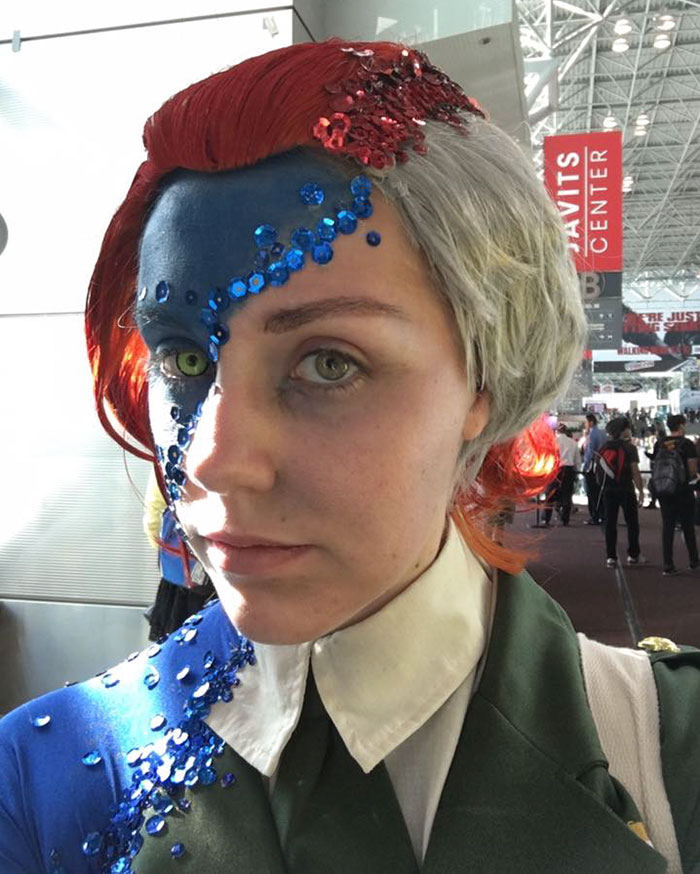 mystique-cosplay-rebecca-lindsay-comic-con-new-york-6