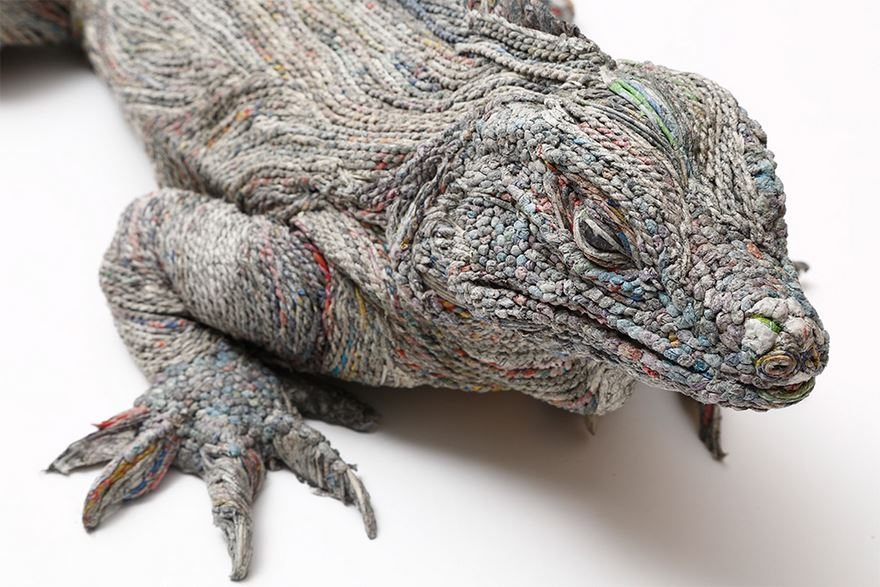 rolled-newspaper-animal-sculptures-paper-trails-chie-hitotsuyama-9