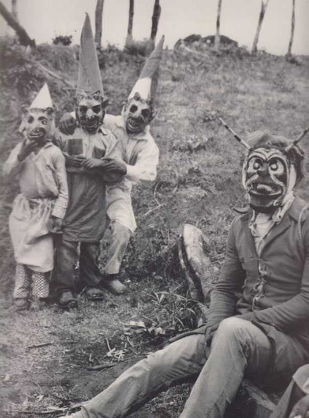 scary vintage halloween costumes - Halloween Costumes 1900