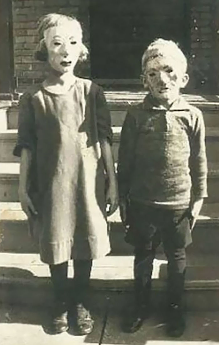 20+ Vintage Halloween Costumes That Will Make Your Skin Crawl | Veriy