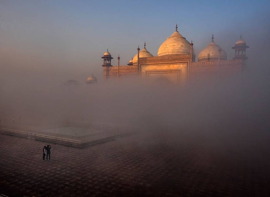 Taj Mahal Side Mosque (Remarkable Award In Architecture Category)