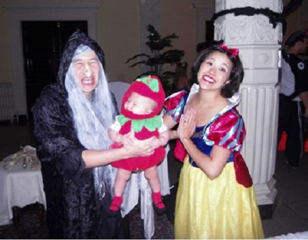 Snow White, The Evil Queen, And The Apple!