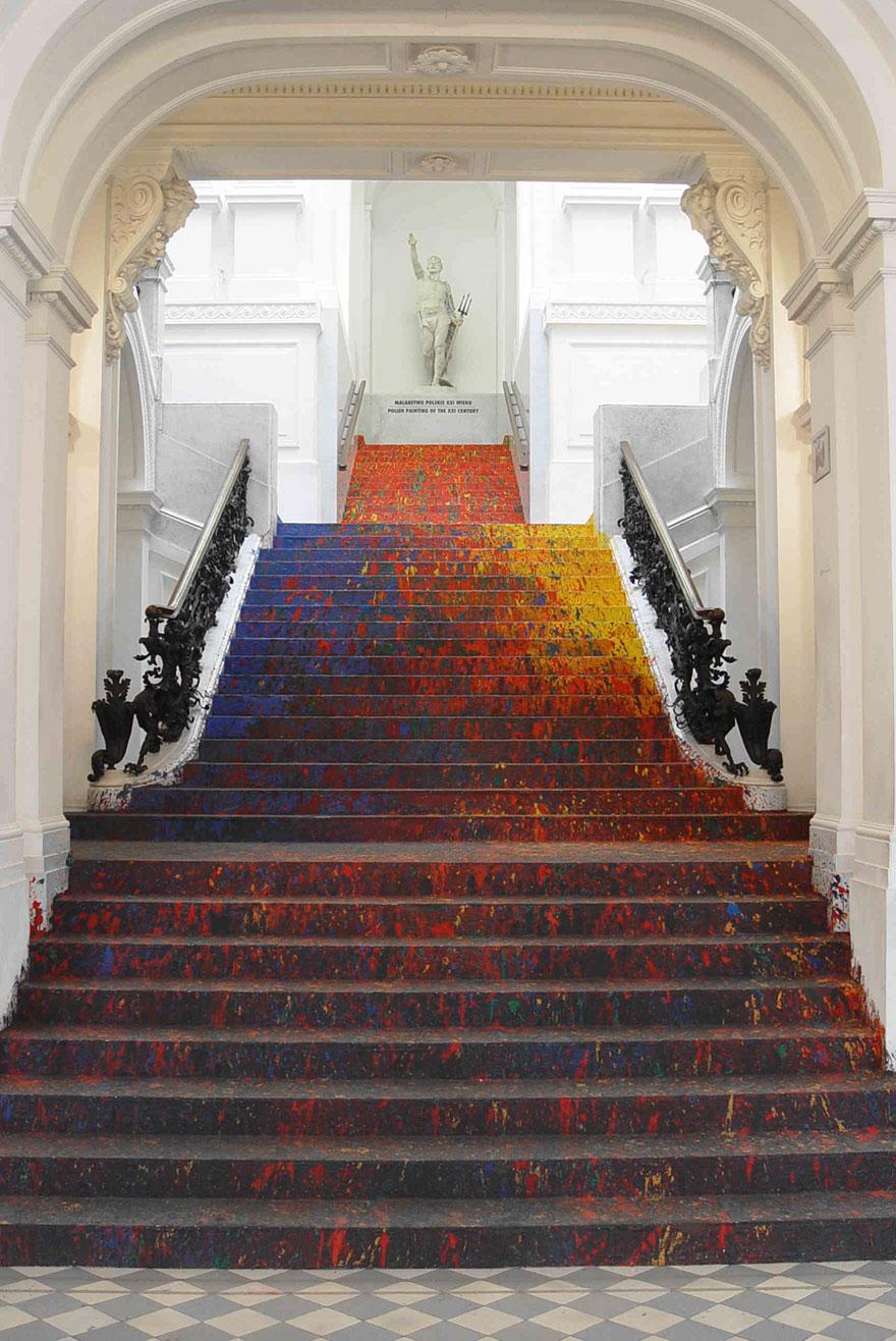 Escaleras con arte - Página 3 Staircase-paint-zacheta-art-gallery-leon-tarasewicz-poland-6