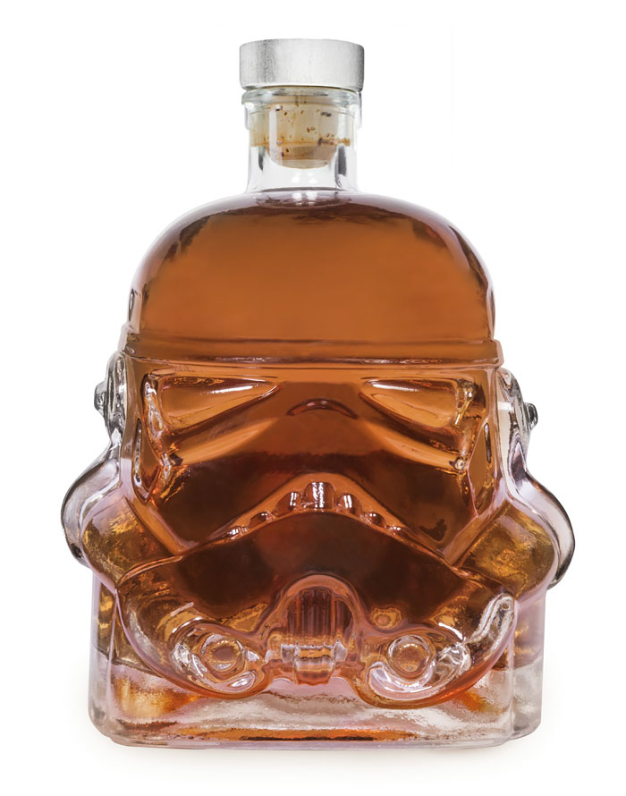 stormtrooper-whiskey-decanter-shot-glass-1