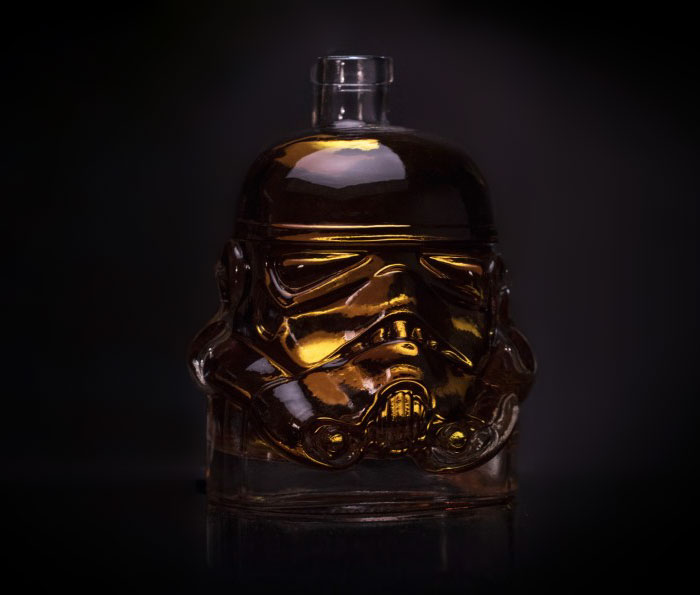 stormtrooper-whiskey-decanter-shot-glass-6