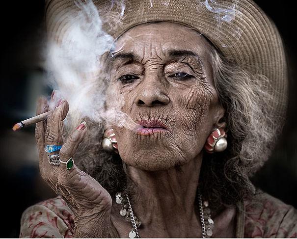 stylish-old-lady-580531ad4095d.jpg