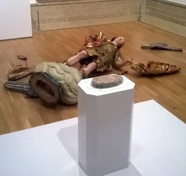 Un turista destruyó una estatua del siglo XVIII en el museo de Lisboa