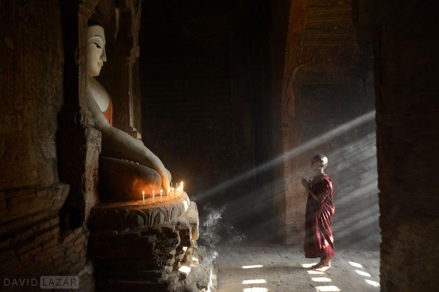 Chiaroscuro Monk, Bagan