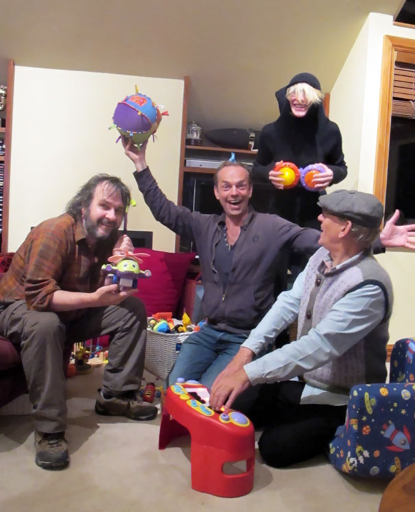 Peter Jackson, Hugo Weaving, Ian Mckellan And Cate Blanchett Hanging Out