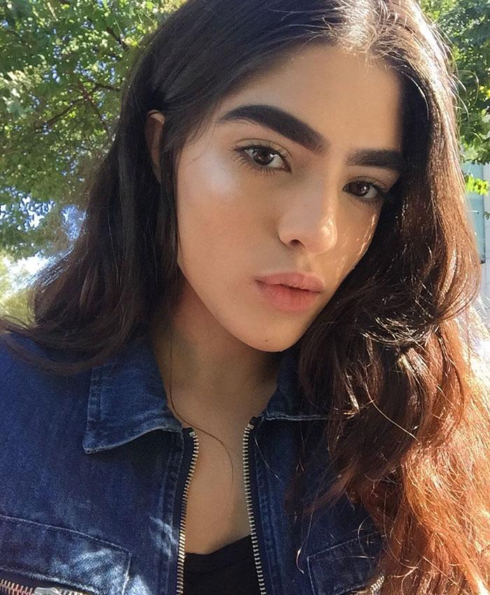 bullying-thick-eyebrows-model-career-natalia-castellar-13