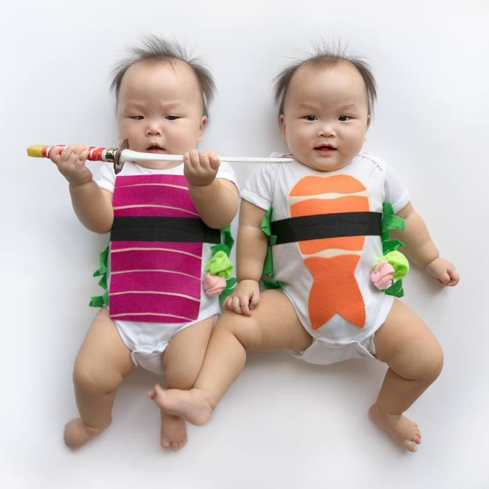 These Miracle Momo Twins Have The Cutest Matching Outfits Ever