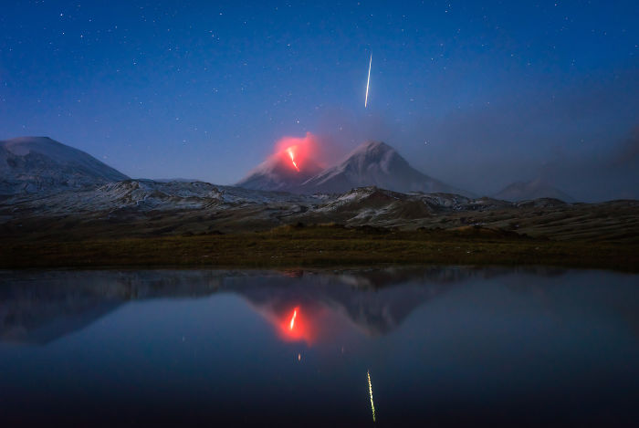 I Accidentally Photographed A Meteor While Capturing An Erupting Volcano